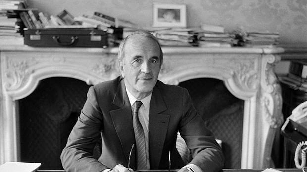 Fotografía tomada a Andre Rousselet en su despacho del Palacio del Elíseo (París), en 1982