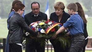 Hollande y Merkel recuerdan juntos el primer centenario de la Batalla de Verdún