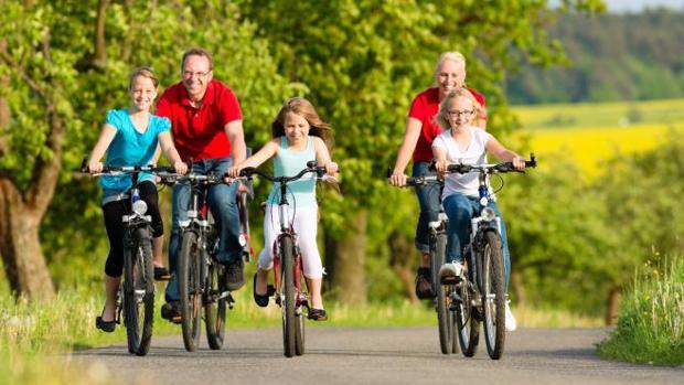 Un rabino de Israel ve «impúdico» que niñas mayores de cinco años monten en bicicleta
