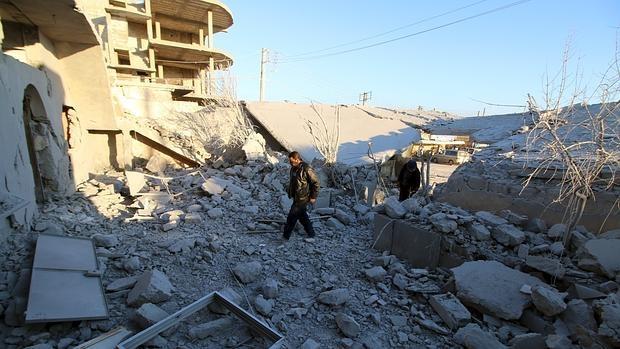 Imagen de una calle de Alepo destruida por los bombardeos