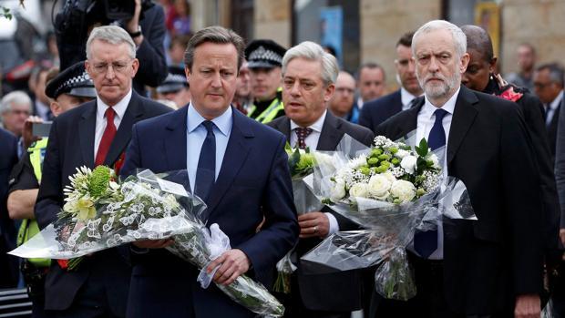 Hemeroteca: Cameron dice que seguirá al frente del Gobierno británico con o sin Brexit | Autor del artículo: Finanzas.com