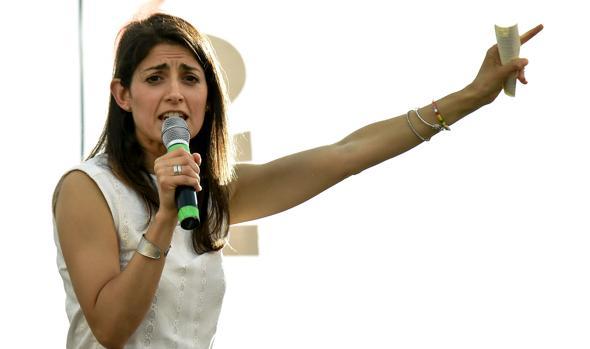 Virginia Raggi, es la gran favorita del Movimiento 5 Estrellas, el partido que nació contra «la casta política», para la ciudad de Roma