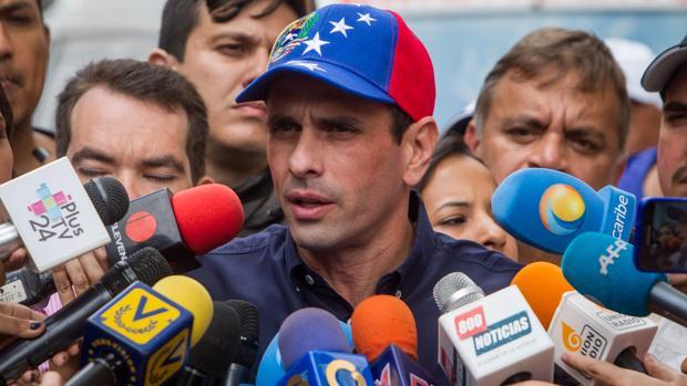Hemeroteca: Capriles asegura que se han validado casi el 37% de las firmas en un día | Autor del artículo: Finanzas.com
