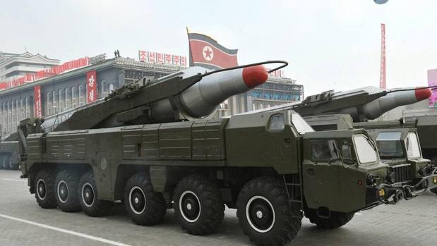 Un misil de medio alcance Musudan durante un desfile en Pyongyang