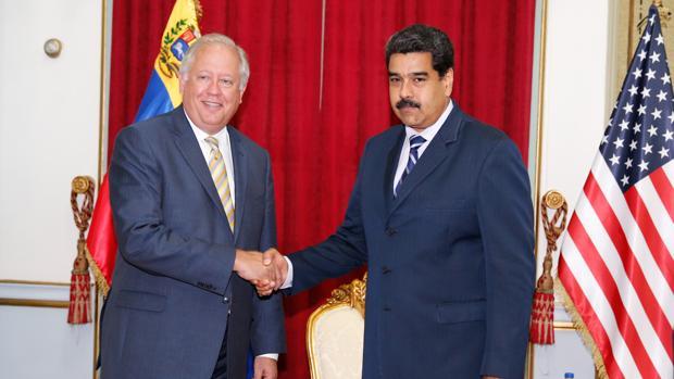 El subsecretario de Estado de EEUU se reúne con Maduro en Caracas