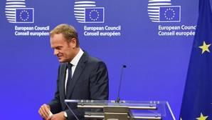 El presidente del Consejo Europeo Donald Tusk abandona el podium el pasado viernes tras analizar el Brexit