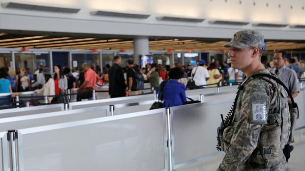 Un verano marcado por la amenaza terrorista en los aeropuertos