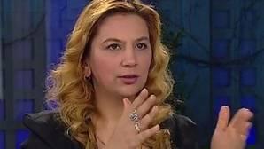 Arzu Yildiz, reportera del portal de noticias «Haberdar», que ha perdido la custodia de sus hijos