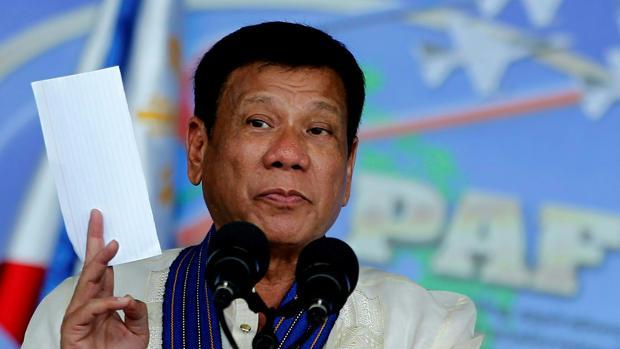 La política de «disparar a matar» del presidente filipino se cobra 30 muertos en la primera semana