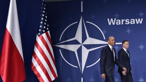 Obama hoy en la cumbre de Varsovia de la OTAN junto con el presidente polaco Andrzej Duda