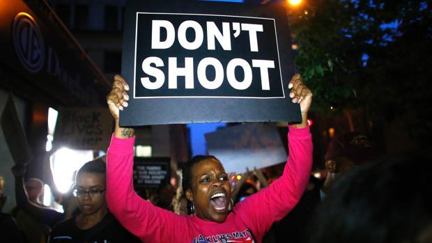 Obama pide «respeto mutuo» a la Policía y al movimiento negro