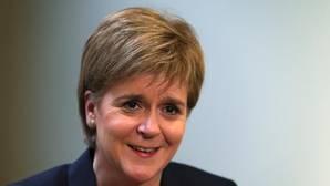Sturgeon replica a May: «Para los escoceses quedarse significa quedarse»