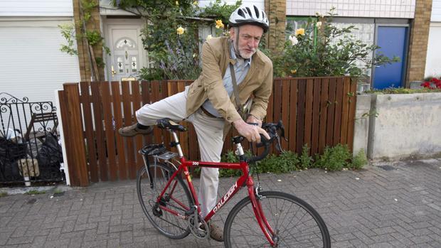 El 29% de los votantes laboristas ven a May mejor gobernante que Corbyn