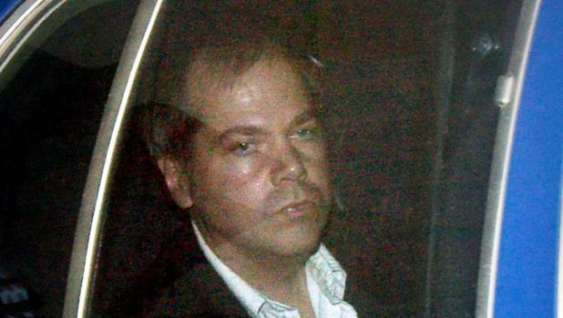 Sale del psiquiátrico tras 35 años el hombre que disparó a Ronald Reagan