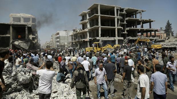 Imagen de los destrozos causados tras los bombardeos de hoy en Qamishli