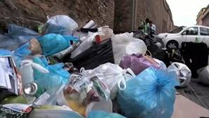 La «crisis de la basura» supera a la alcaldesa populista de Roma