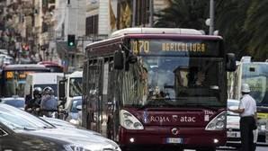 Colapso del transporte, la otra crisis de la alcaldesa de Roma