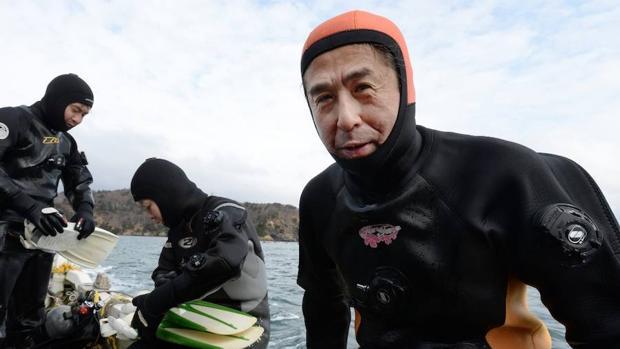 Yasuo Takamatsu, el buceador japonés que todavía busca a su esposa