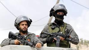 Dos soldados israelíes en Palestina