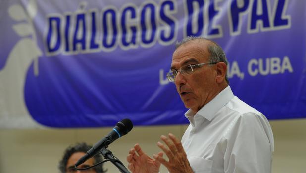 Humberto de la Calle, el jefe negociador del Gobierno colombiano en los diálogos de paz con las FARC, habla este miércoles en la Habana