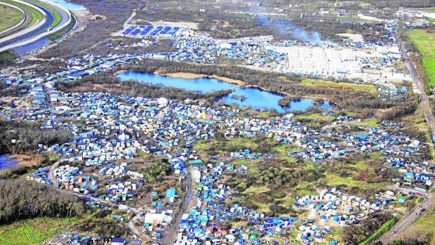 Imagen aérea de la «Jungla« de Calais