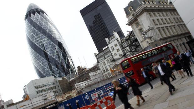 El Reino Unido excluirá a los banqueros europeos de sus controles de inmigración
