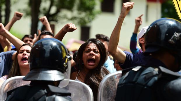 Hemeroteca: Los delitos de Nicolás Maduro ante la Corte Penal Internacional   Autor del artículo: Finanzas.com
