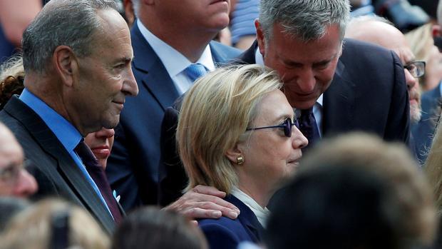 Evacúan a Clinton al borde del desmayo del aniversario del 11-S
