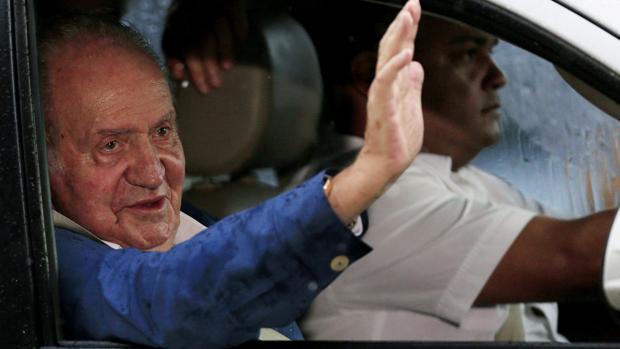 El Rey Juan Carlos llega a Cartagena para asistir a la firma del acuerdo de paz en Colombia