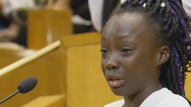 Las lágrimas de una niña denuncian la violencia racial en Estados Unidos