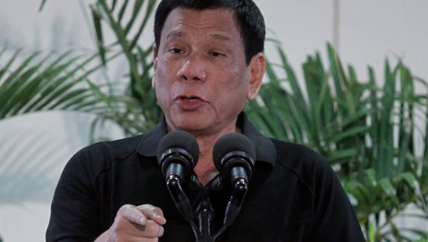 Duterte se compara con Hitler, mientras asegura estar dispuesto a acabar con millones de adictos a las drogas