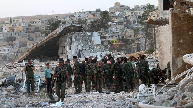 Soldados del Ejército sirio este domingo en Alepo, horas antes de que Estados Unidos rompiera el diálogo que mantenía con Rusia acerca de la guerra que asola el país asiático