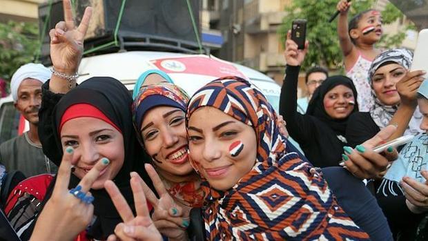 Tests de virginidad a universitarias: la última propuesta política contra la mujer en Egipto
