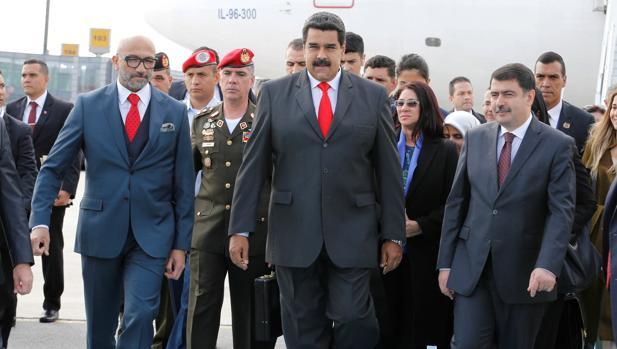 Maduro asiste a un congreso enérgetico en Estambul, donde se reunirá con su aliado Putin
