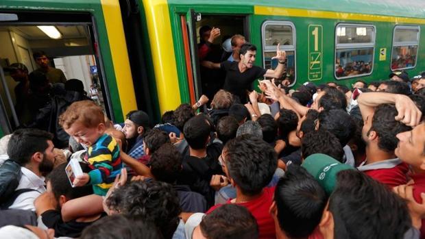 Un estudio de FAES culpa a Bruselas de la ineficiencia en la acogida de refugiados entre los Estados miembros