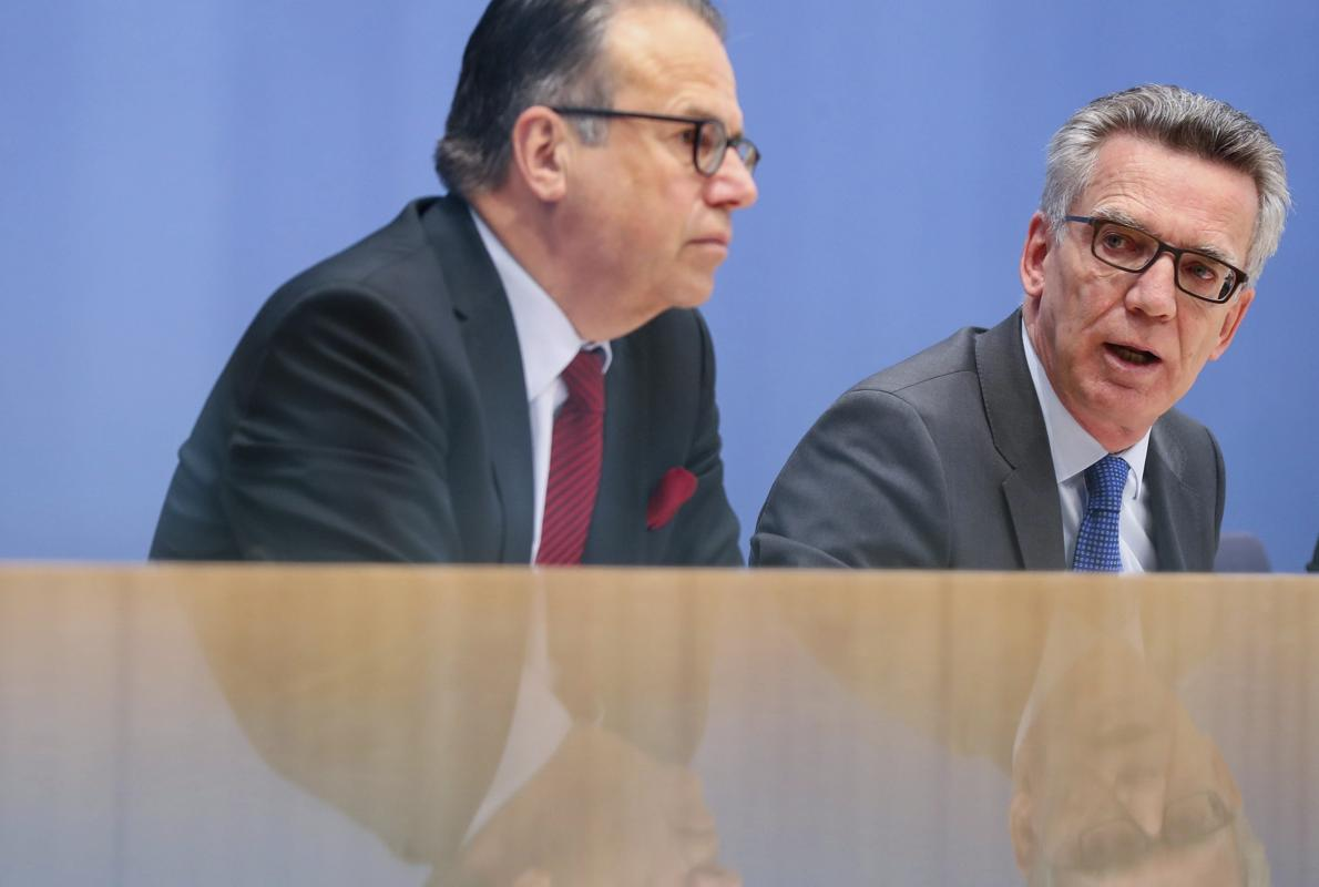 Piden que condecoren a los refugiados sirios que evitaron for Nombre del ministro de interior