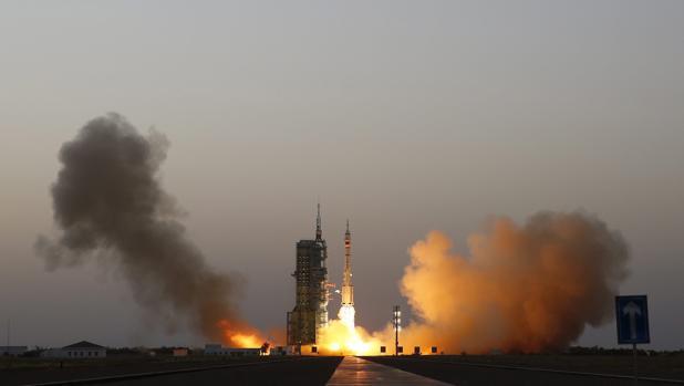 China lanza su sexta misión espacial tripulada