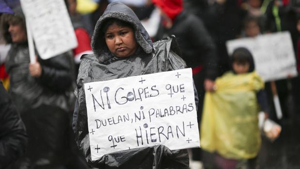 «Ni Una Menos», miles de mujeres argentinas bajo la lluvia reclaman por sus vidas
