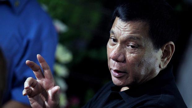 Duterte vuelve a descargar sus iras contra EE.UU. por el rechazo a la venta de 26.000 fusiles a Filipinas