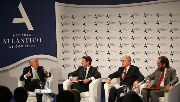 Uribe y Pastrana temen reformas «superficiales» al pacto con las FARC