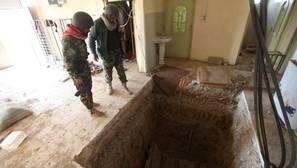 El Ejército iraquí descubre una fosa con cien cuerpos decapitados al sur de Mosul