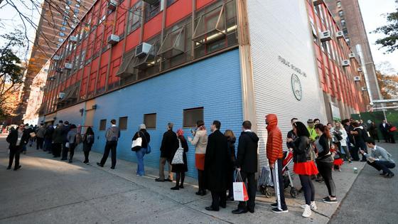 Cola para votar en un colegio elctoral de Nueva York
