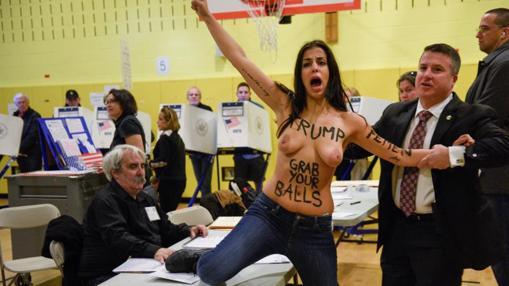 Resultado de imagen de fotos de Femen en las elecciones de EEUU