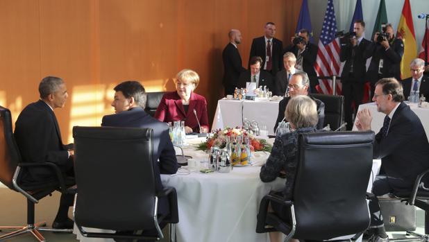 Los grandes de la UE y Obama mantendrán las sanciones a Rusia