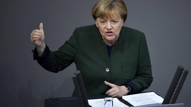 Merkel promete que Alemania no se aislará y defenderá sus alianzas con la Unión Europea y Estados Unidos