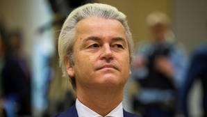 El ultraderechista Wilders defiende ante un tribunal la expulsión de marroquíes de los Países Bajos
