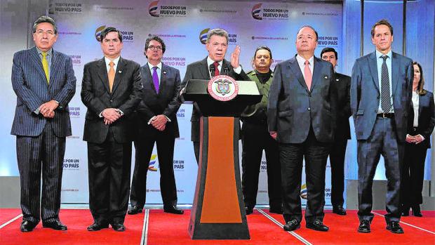Santos impide a los colombianos votar el nuevo acuerdo de paz
