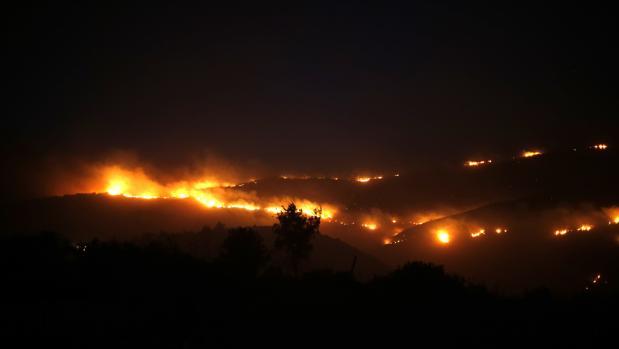 Los incendios, vistos desde la ciudad de Nafat