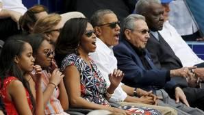 Obama tiende «una mano de amistad al pueblo cubano» tras la muerte de Fidel Castro