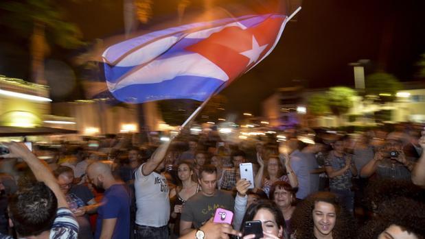 Venezuela decreta 3 días de duelo nacional por fallecimiento de Fidel Castro